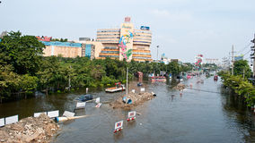 Flooding on Phetkasem Road ,Bangkok Flooding 2011 Stock Photography