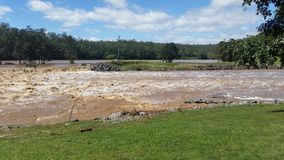 Floodwaters Oxenford, Queensland, Australië Stock Foto's