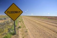 Floodway podpisuje wewnątrz Australijskiego odludzie obrazy royalty free