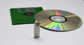Floopy盘,CD,闪存 免版税库存照片
