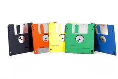 Floppy in vijf kleuren Flopy slappe floppys flopys De oude technologie van computergegevens schijf Flopyschijf Floppy disk Flopy Stock Foto