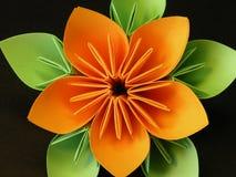 Flor anaranjada del origami fotos de archivo libres de regalías