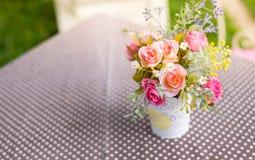 flor artificial de la decoración foto de archivo
