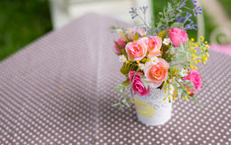 flor artificial de la decoración imagenes de archivo