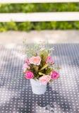 flor artificial de la decoración imagen de archivo libre de regalías