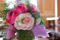 Flor artificial de Rosa como o fundo do Valentim foto de stock royalty free