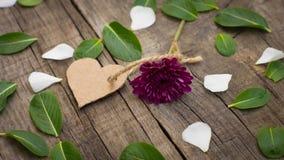 Flor con un corazón Fotografía de archivo