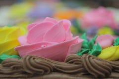 Flor cor-de-rosa do bolo Imagens de Stock