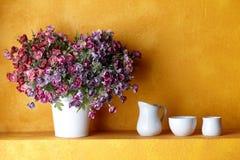 Flor dada forma coração Fotos de Stock Royalty Free