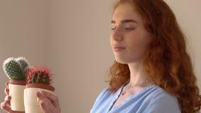 Flor de comtemplación femenina Redheaded metrajes