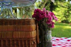 Flor de las magdalenas de la comida campestre Imágenes de archivo libres de regalías
