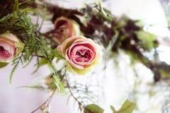 Flor de Rosa, flor cor-de-rosa do plástico bonito fotos de stock royalty free