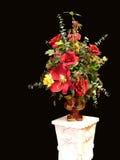 Flor de seda con el soporte. imagenes de archivo