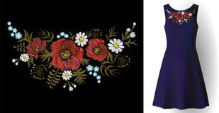 A flor do campo do bordado arranja ervas da margarida da papoila do remendo da colar Realístico ornamentado do ponto da mulher da Imagem de Stock