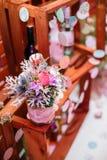 Flor do inverno sobre o fundo de madeira imagens de stock