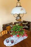 Flor do Schlumbergera da sala de Dinning na tabela Fotografia de Stock
