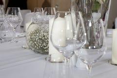 Flor e vidros Fotografia de Stock Royalty Free
