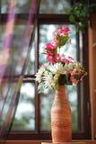 Flor en el florero Imágenes de archivo libres de regalías