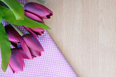 Flor en fondo de madera Foto de archivo