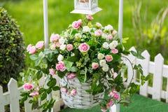 Flor en la recepción nupcial Fotos de archivo