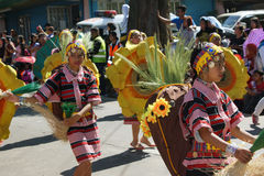 Flor Feastivile 2015 da cidade de Baguio dos dançarinos da rua de Colourfull Fotografia de Stock Royalty Free