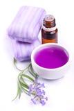 Flor, jabón y extracto de la lavanda Imagenes de archivo