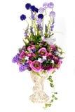 Flor plástica artificial da decoração com o vaso do projeto do vintage Imagem de Stock Royalty Free