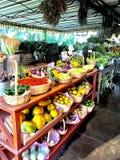 Flora Farms Fruit en Veggie Vertoning royalty-vrije stock fotografie