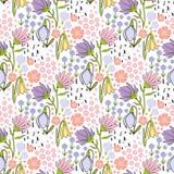 Floral άνευ ραφής συρμένο χέρι σχέδιο με τα μικρά λουλούδια στο άσπρο υπόβαθρο Ελεύθερη απεικόνιση δικαιώματος