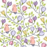Floral άνευ ραφής συρμένο χέρι σχέδιο με τα πουλιά και τα λουλούδια στο άσπρο υπόβαθρο Απεικόνιση αποθεμάτων