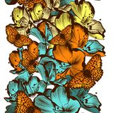 Floral άνευ ραφής σχέδιο ταπετσαριών με τα λουλούδια Στοκ φωτογραφία με δικαίωμα ελεύθερης χρήσης