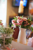 Floral γαμήλιο κεντρικό τεμάχιο Στοκ Εικόνα