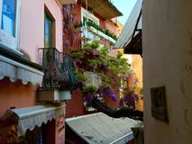 Floral μπαλκόνι της Ιταλίας Στοκ φωτογραφία με δικαίωμα ελεύθερης χρήσης