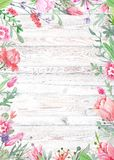 Floral πλαίσιο Watercolor στο ξύλινο υπόβαθρο Στοκ φωτογραφία με δικαίωμα ελεύθερης χρήσης