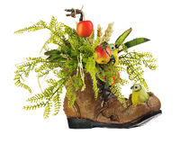 Floral ρύθμιση φιαγμένη από τεχνητά λουλούδια και φρούτα Στοκ φωτογραφία με δικαίωμα ελεύθερης χρήσης