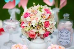Floral ρύθμιση στοκ φωτογραφία με δικαίωμα ελεύθερης χρήσης
