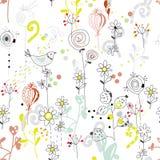 Floral άνευ ραφής σχέδιο με το σκίτσο πουλιών Στοκ Εικόνες
