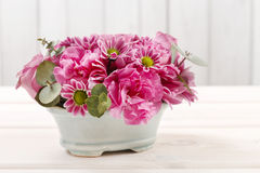 Floral arrangement with rose, carnation and chrysanthemum flower Royalty Free Stock Photos