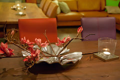 Floral arrangement on table Royalty Free Stock Photos
