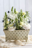 Floral arrangement with white ranunculus and matthiola flowers Royalty Free Stock Photography