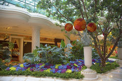 Floral sculptures in the atrium of Wynn Hotel and Casino Royalty Free Stock Photography