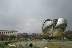 Floralis genericaskulptur, Buenos Aires royaltyfria foton