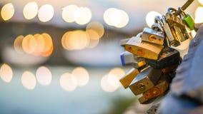 Florance, Ιταλία - 6 Σεπτεμβρίου 2014: Κλειδαριά αγάπης σε μια γέφυρα σε Florance Στοκ Φωτογραφίες