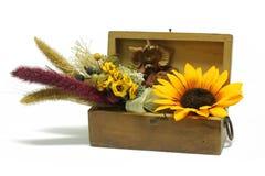 Floreal Aufbau in einem Kasten Stockfotos