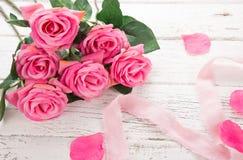 Florece la composición para el ` s de la tarjeta del día de San Valentín, el ` s de la madre o el día del ` s de las mujeres Flor Foto de archivo