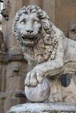 Florença Della Signoria da praça Lion Sculpture foto de stock