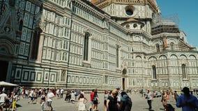 Florença, Itália, em junho de 2017: Domo Santa Maria del Fiore, um destino popular do turista de Europa em Florença, Toscânia vídeos de arquivo
