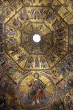 FLORENÇA, ITÁLIA - EM NOVEMBRO DE 2015: Baptistery de San Giovanni, patrimônio mundial, mosaicos fotografia de stock royalty free
