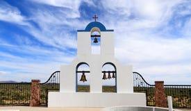 Florença, o Arizona: Monastério ortodoxo grego do ` s de St Anthony - torre de Bell de St Elijah Chapel imagem de stock