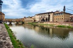 Florence, Arno en Ponte Vecchio. Toscanië, Italië Royalty-vrije Stock Foto